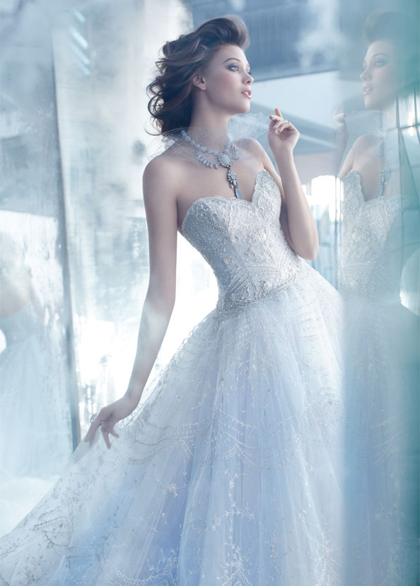 Things To Consider Before Choosing Your Wedding Dress